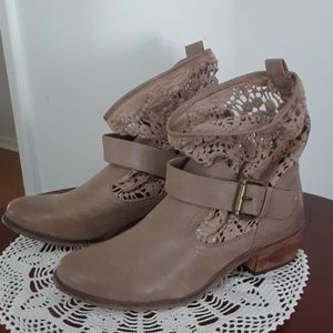 Women's pull-on western boots
